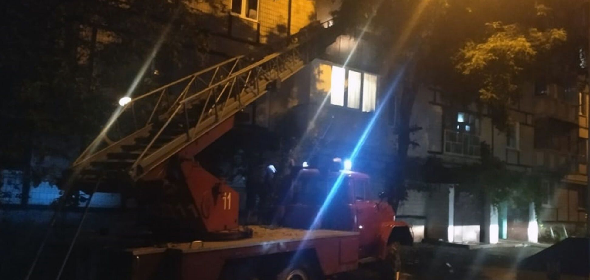 На Днепропетровщине во время пожара в многоэтажке погиб подросток