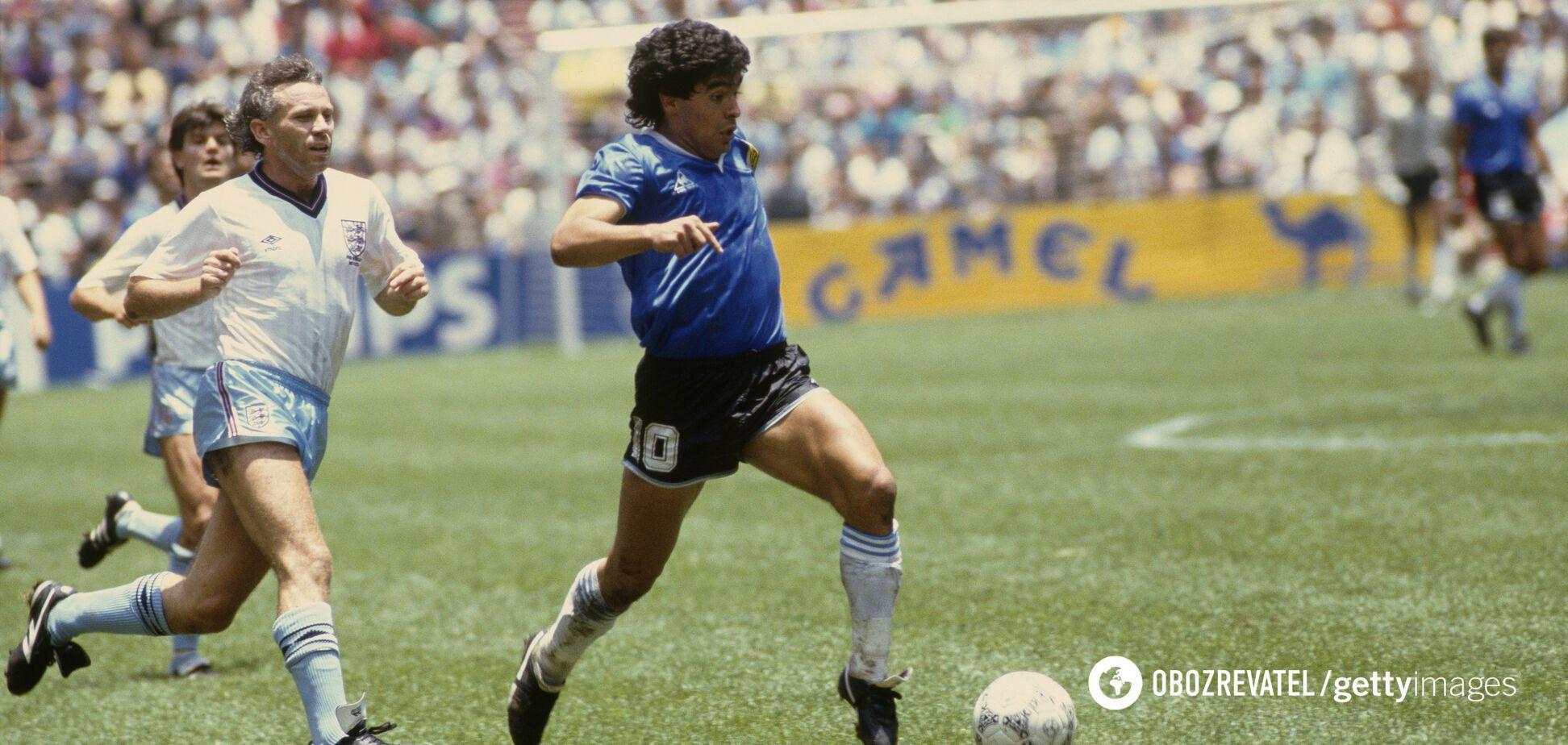Дієго Марадона в матчі проти Англії на ЧС -1986