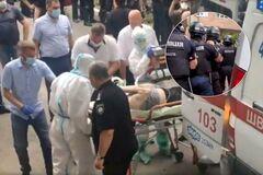 В Харькове устроили бунт против больных COVID-19: скорая с пациентом на ИВЛ еле прорвалась в больницу