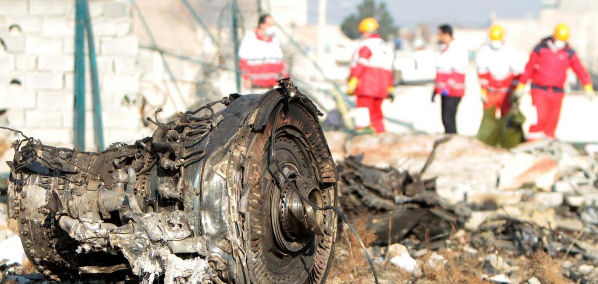 'Черные ящики' сбитого самолета МАУ отправят во Францию