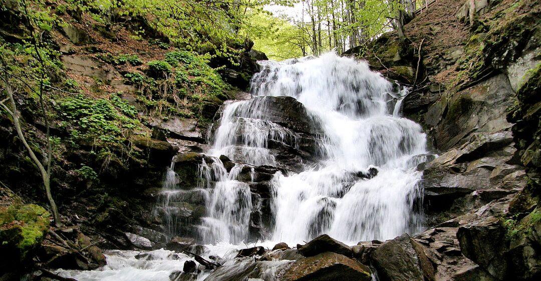 5 самых красивых водопадов украинских Карпат. Фото