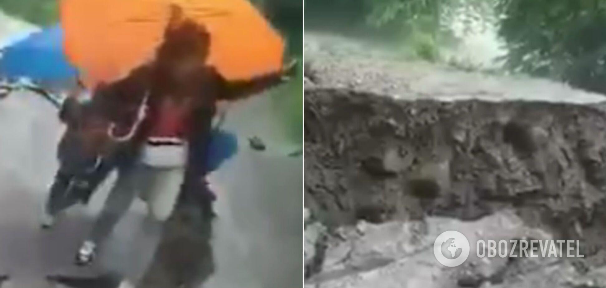 В ЯремчеИвано-Франковской области размыло дорогу