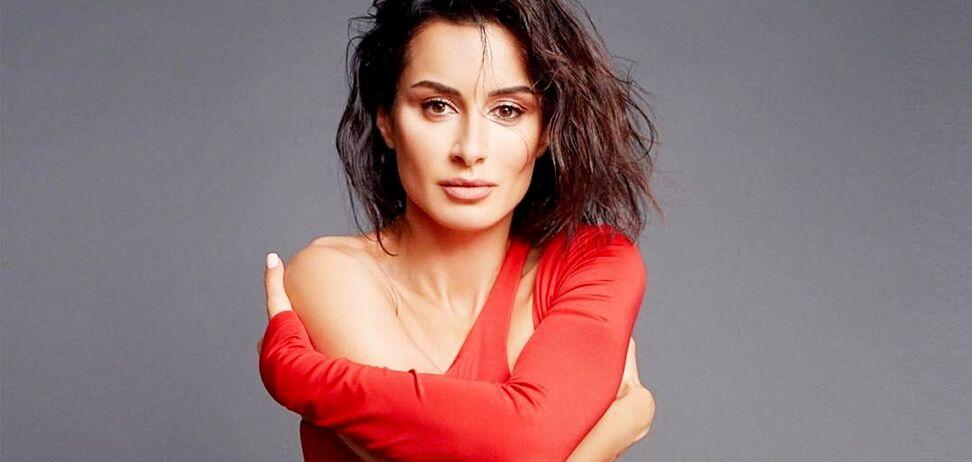 Тіна Канделакі в червоній сукні