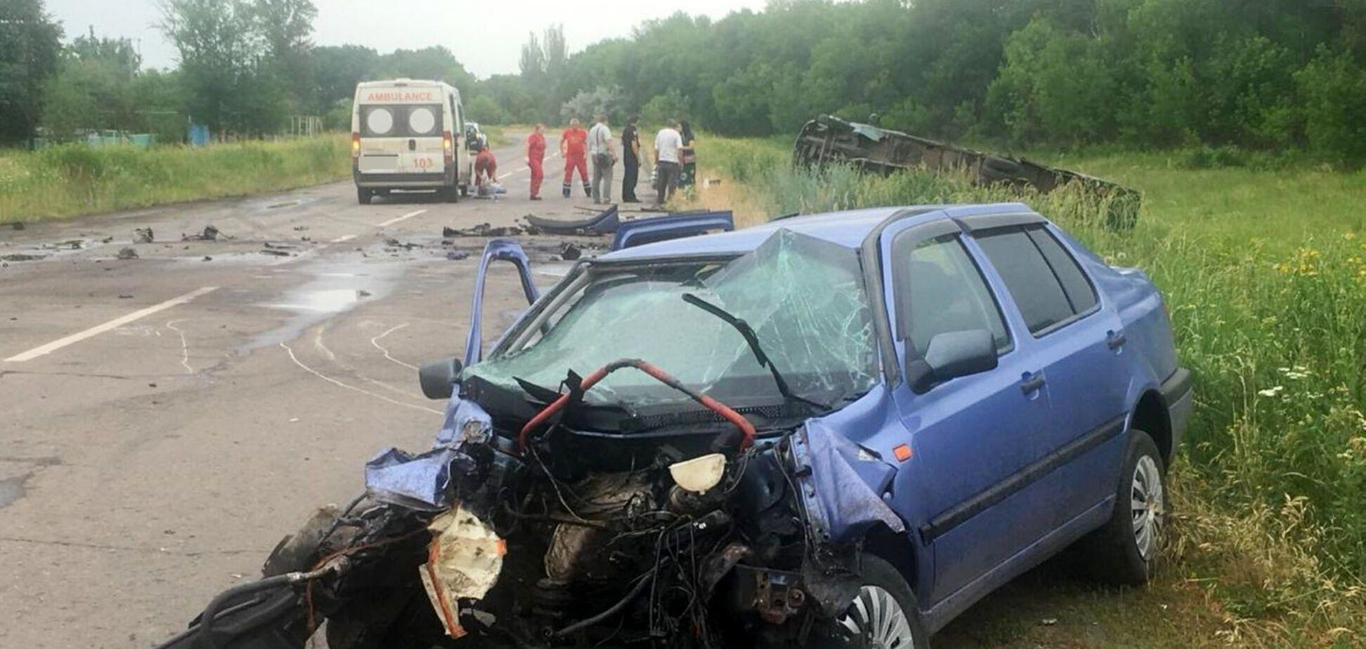 На Луганщине полицейский врезался в маршрутку: 9 пострадавших
