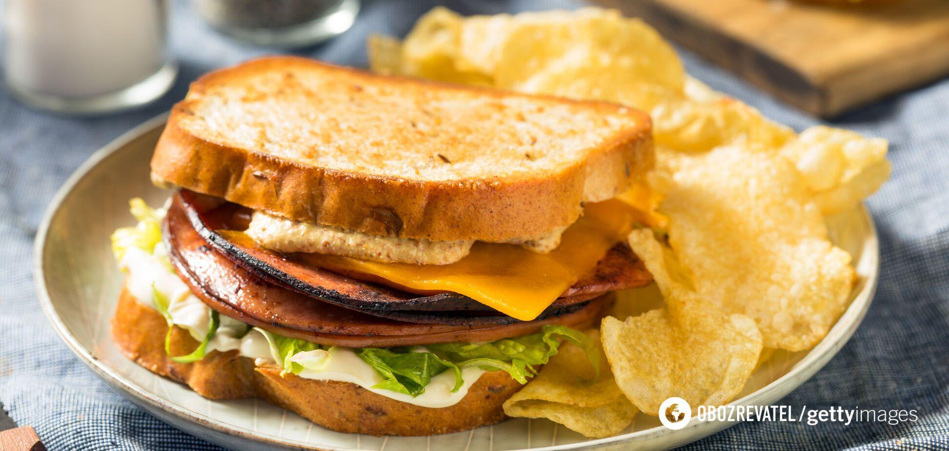 Картопляні чіпси містять багато жирів і натрію