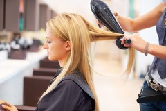 Астрологи считают, что от даты стрижки зависит красота волос
