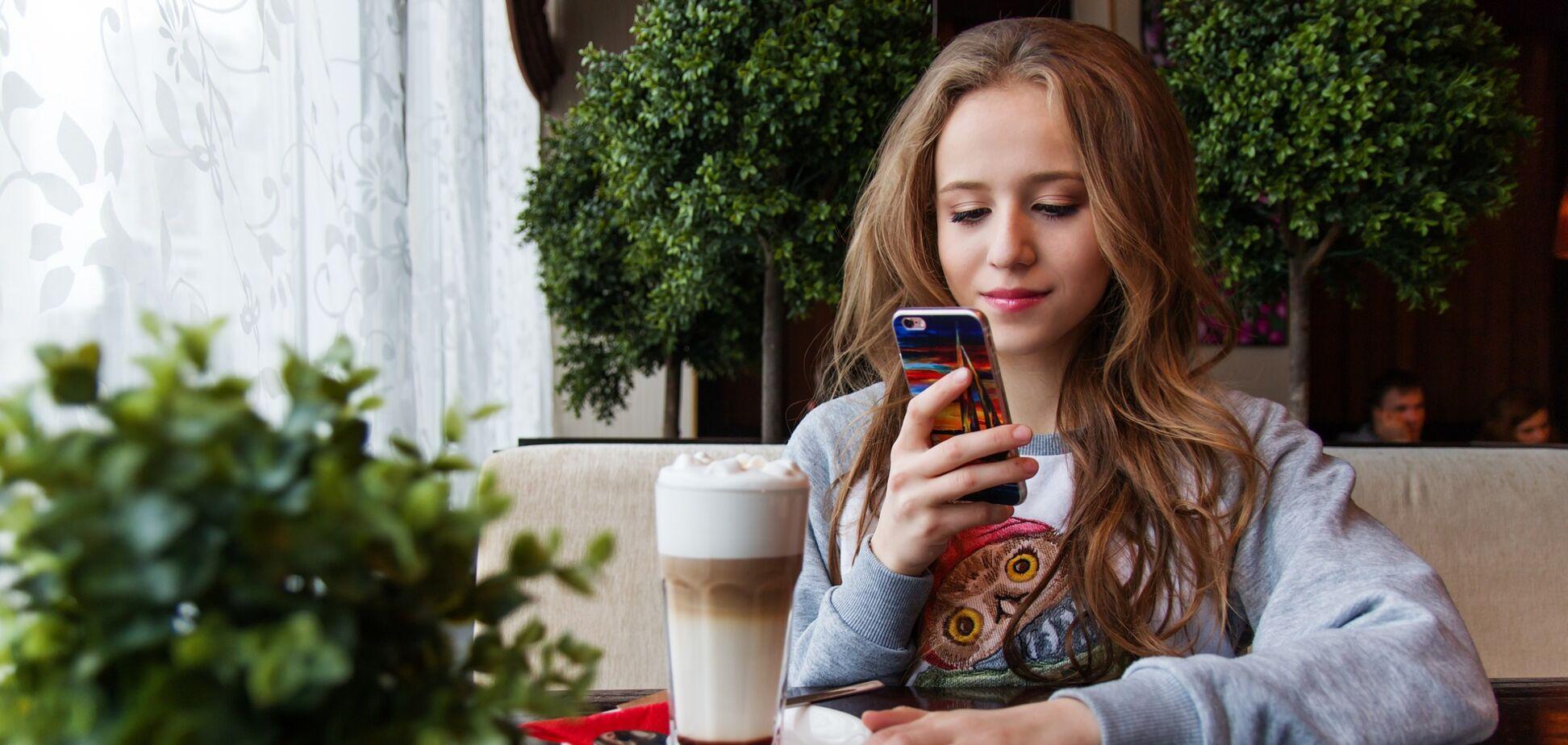 Телефон можуть прослуховувати як правоохоронні органи, так і приватні особи