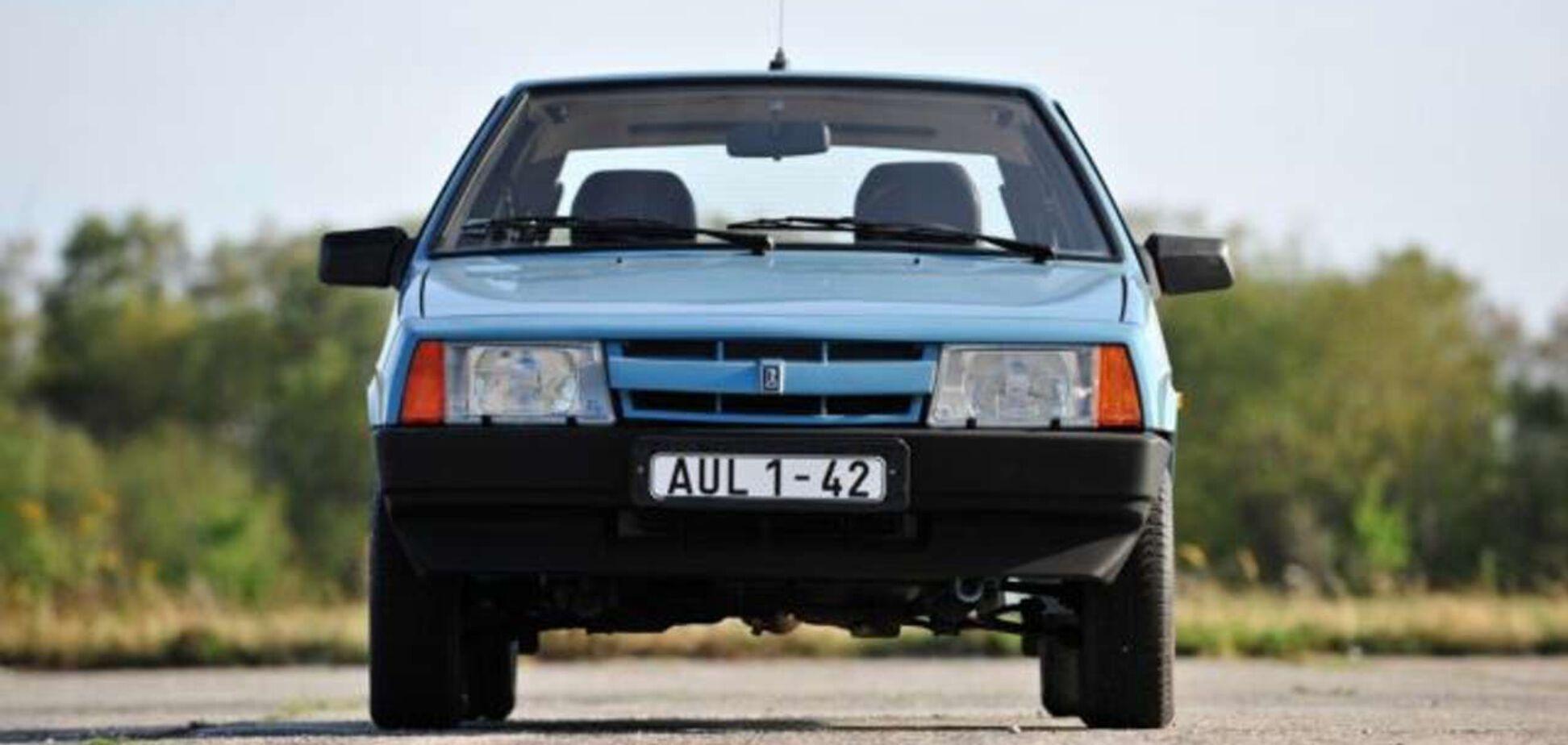 Старий ВАЗ-2108 продають в Німеччині за великі гроші. Фото: carakoom.com