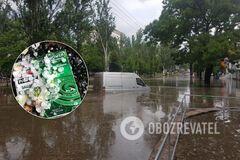 В Николаеве затопило улицы, а на Одесщине выпал град