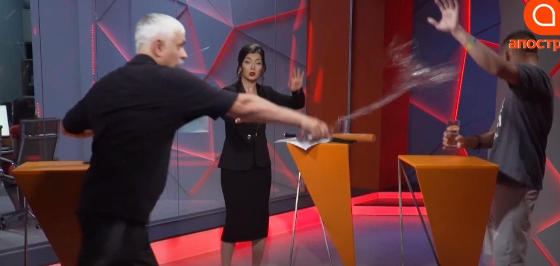 Корчинський хлюпнув водою в ветерана АТО Віктора Пилипенка