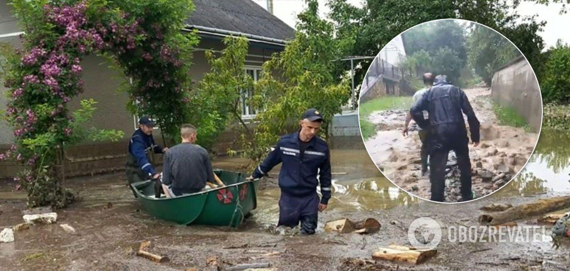 Старих виносили на руках, а тварини потонули: як західна Україна виживає після потужної повені