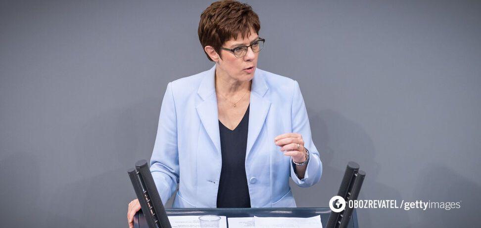 Глава Бундесверу Аннегрет Крамп-Карренбауер заявила про готовність НАТО протистояти Росії
