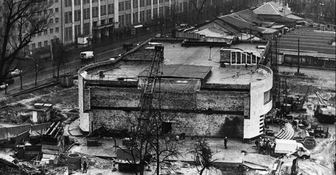 Строительство станции метро 'Лукьяновская' в Киеве