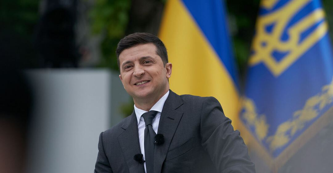 Перший рік президентства Зеленського позитивно оцінили більше третини українців