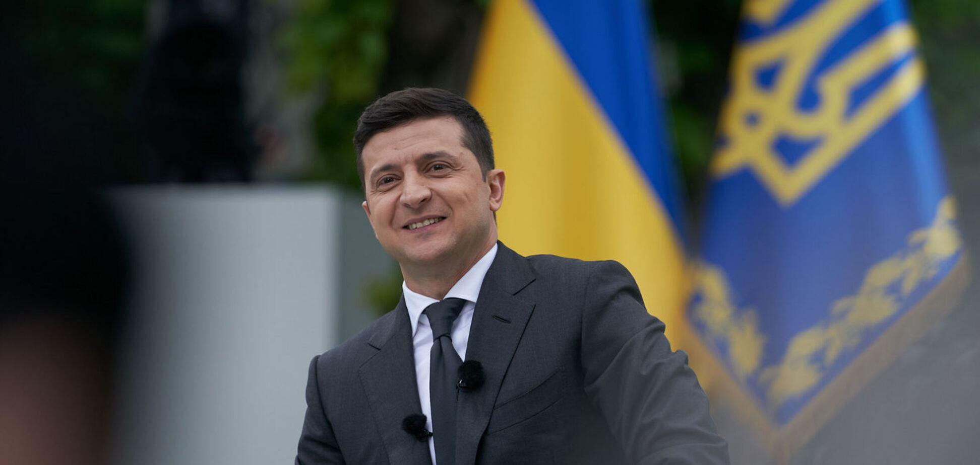 Первый год президентства Зеленского позитивно оценили более трети украинцев