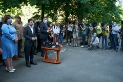 Сім'ям постраждалих від вибуху на Позняках видали нові квартири