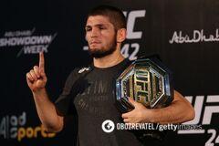 Хабиб Нурмагомедов владеет поясом чемпиона UFC в легком весе