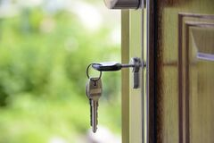 В Україні можуть заборонити покупку і здачу в оренду квартир без ріелторів