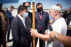 Владимир Зеленский пообещал поднять крымскотатарский флаг в Крыму