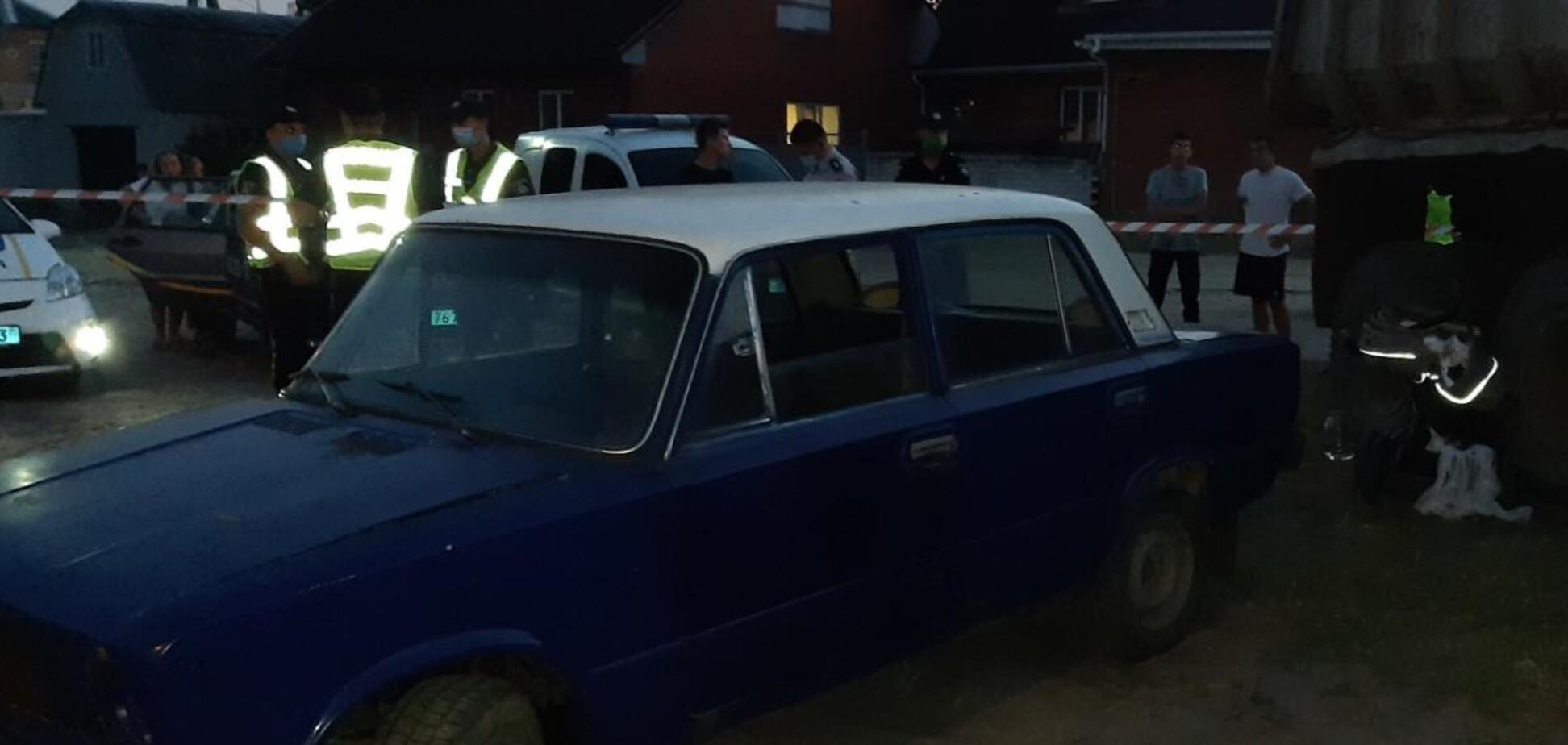 В Харькове автомобиль наехал на коляску, младенец не выжил