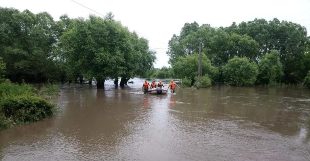 Наводнение в Украине: потоп оставил людей без света в двух областях