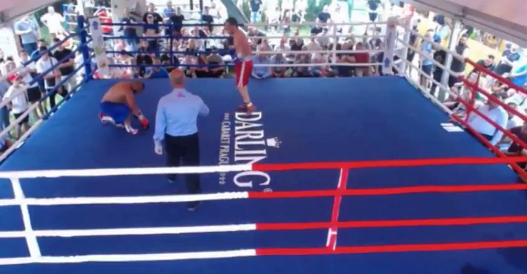 Украинский боксер победой с двумя нокдаунами дебютировал на профи-ринге