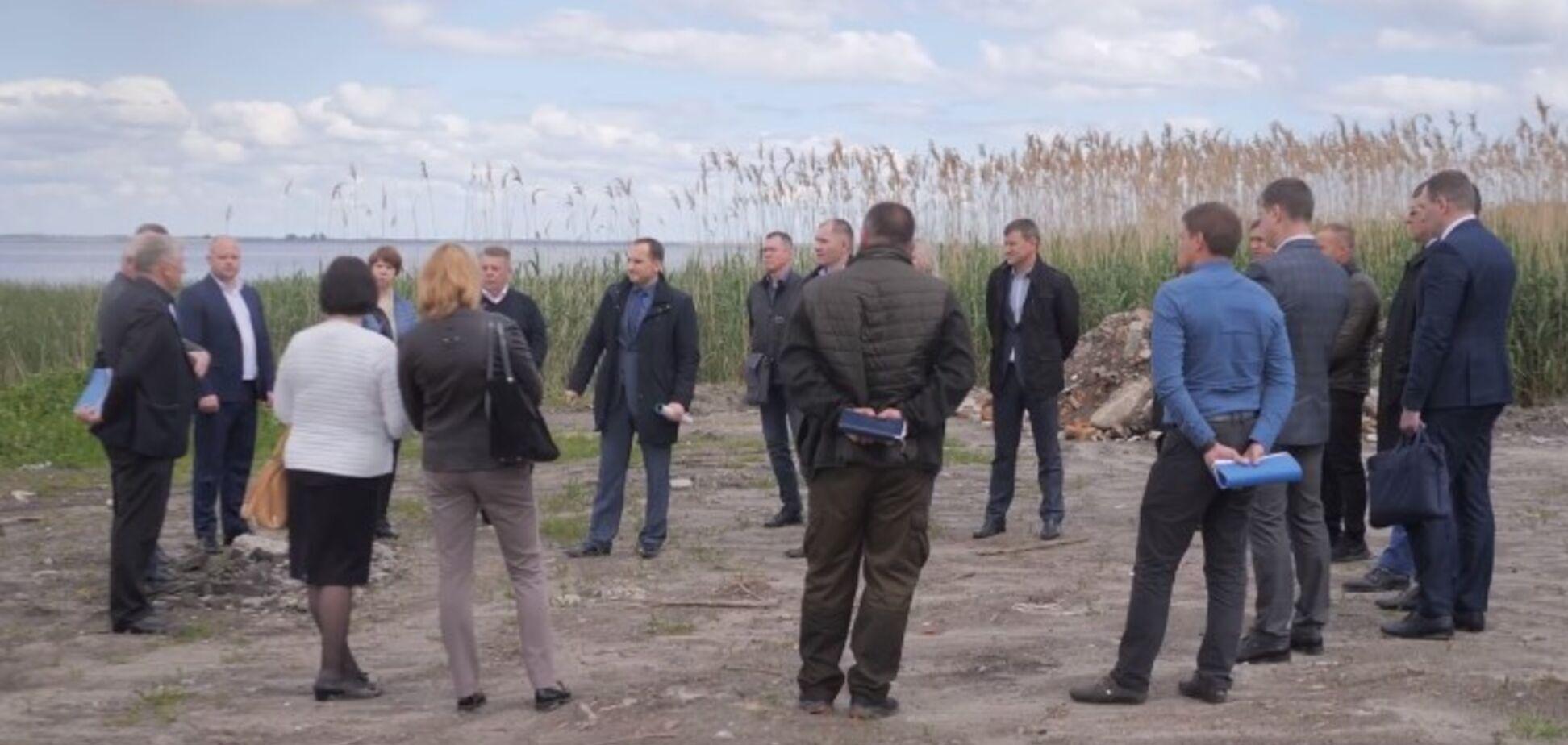 Черкасская ОГА провела выездное заседание для решения проблемы намыва берегов Днепра