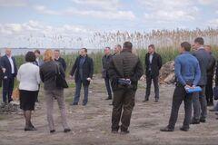 Черкаська ОДА провела виїзне засідання для вирішення проблеми намивання берегів Дніпра