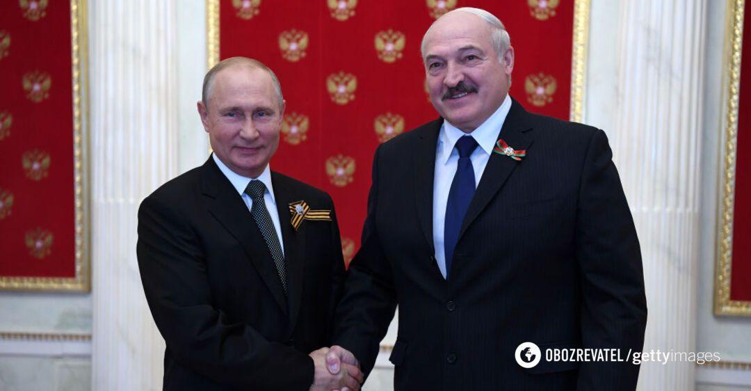 Лукашенко заявил о 'нерушимой дружбе' с Россией и обнял Путина