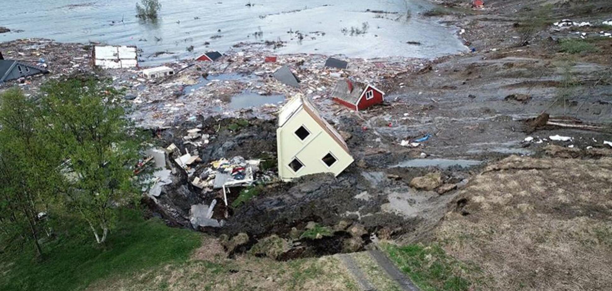 У Норвегії гігантський зсув змив у море частину міста. Вражаюче відео