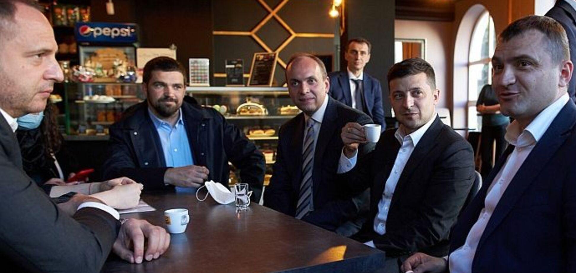 Зеленський погодився заплатити штраф за 'круту' каву в Хмельницькому