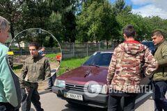 На Львовщине сельский голова 'подрался' с экс-нацгвардейцем. Видео