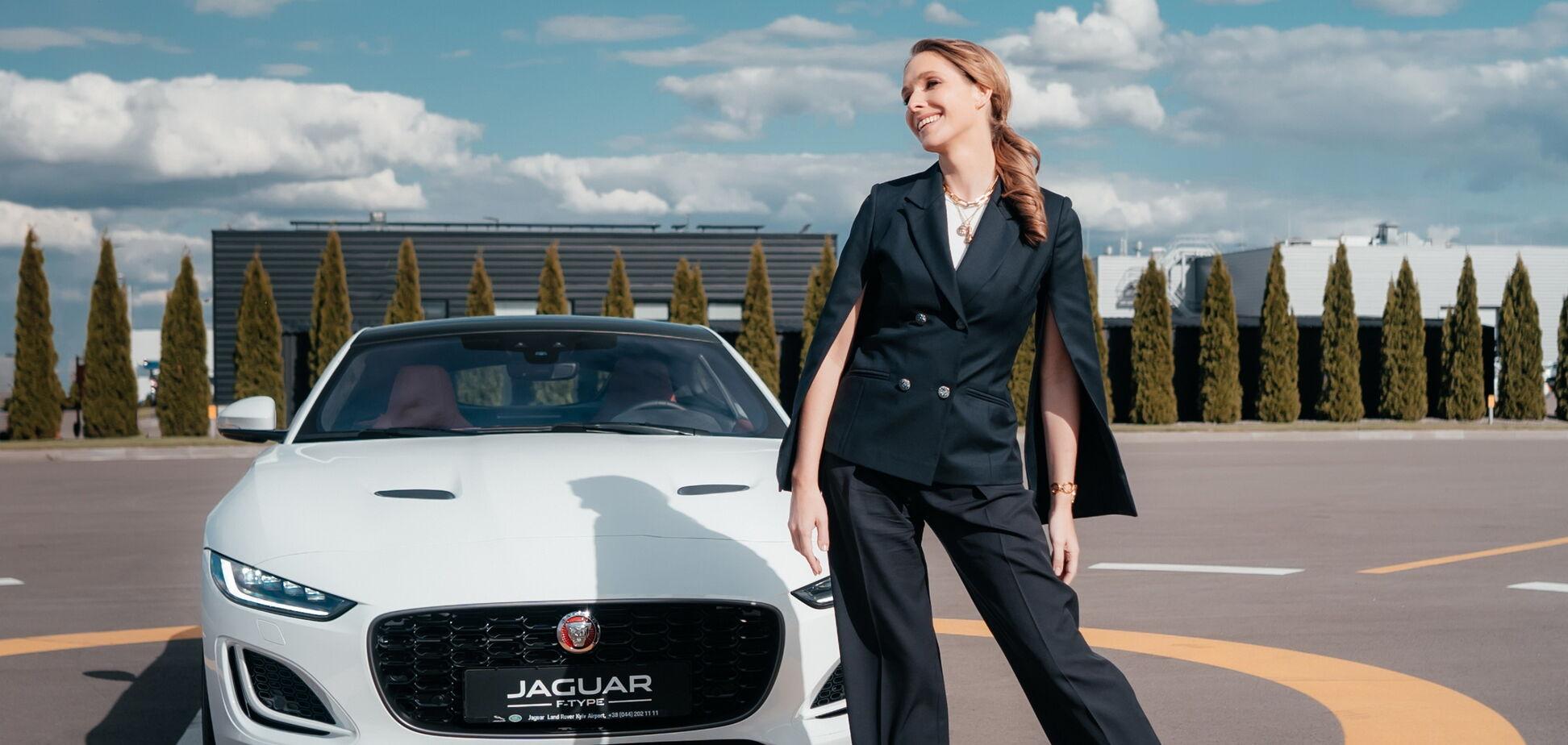 Катя Осадча знялася у відео з Jaguar F-Type