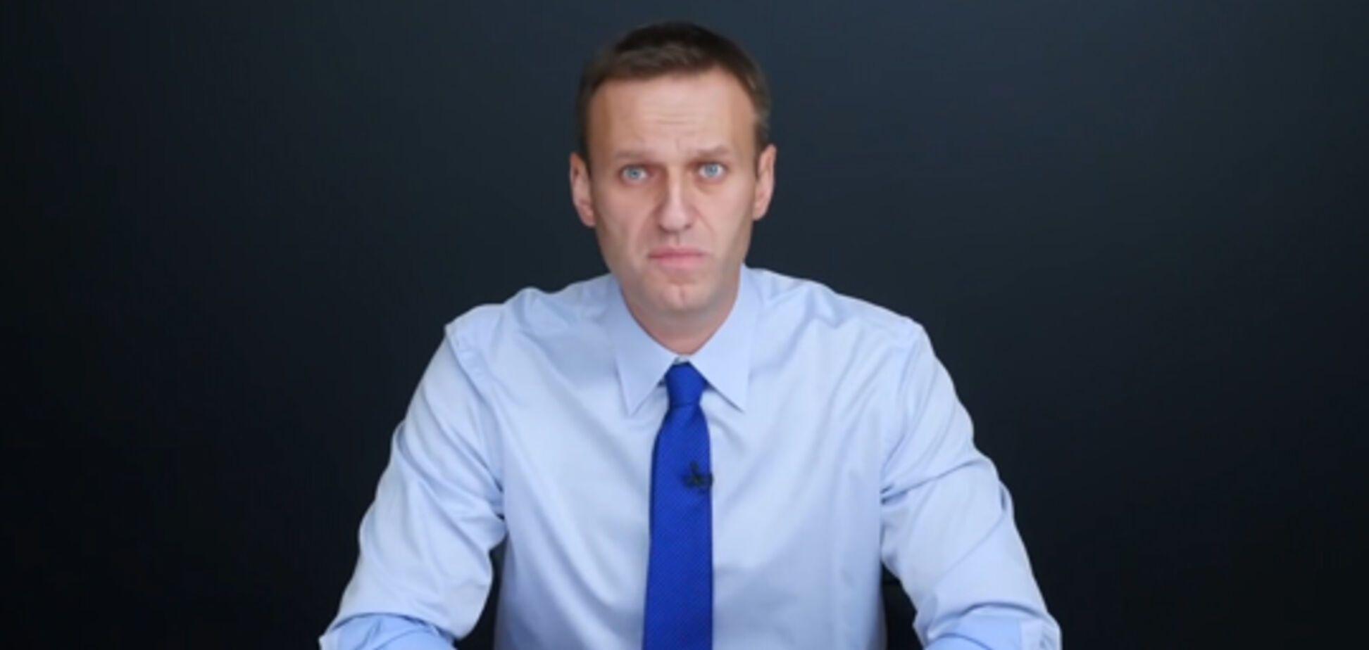 Известный порноактер поздравил Навального с Днем рождения. Видео