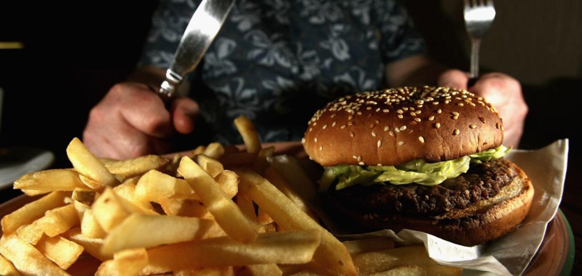 Канадські вчені визначили причини, через які люди різко набирають вагу