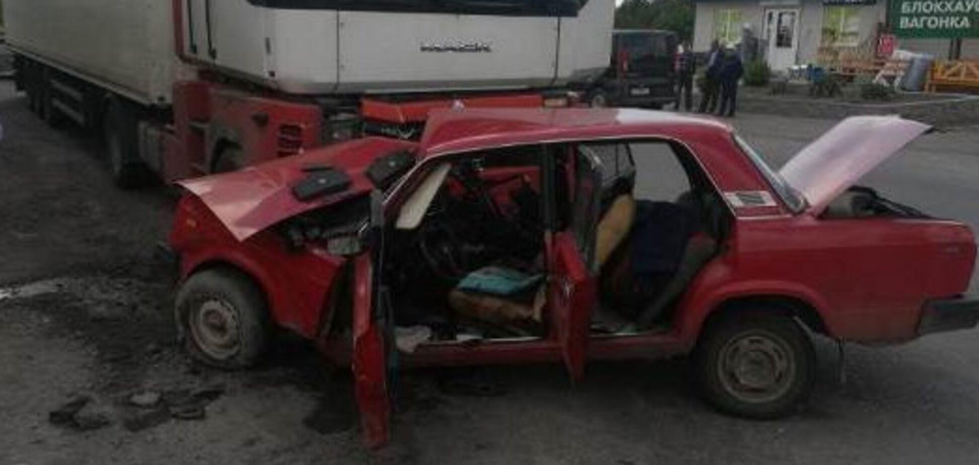 На Винниччине в ДТП разбился украинский военный. Фото