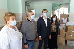 Фонд Вадима Новинського передав засоби індивідуального захисту медикам Херсона