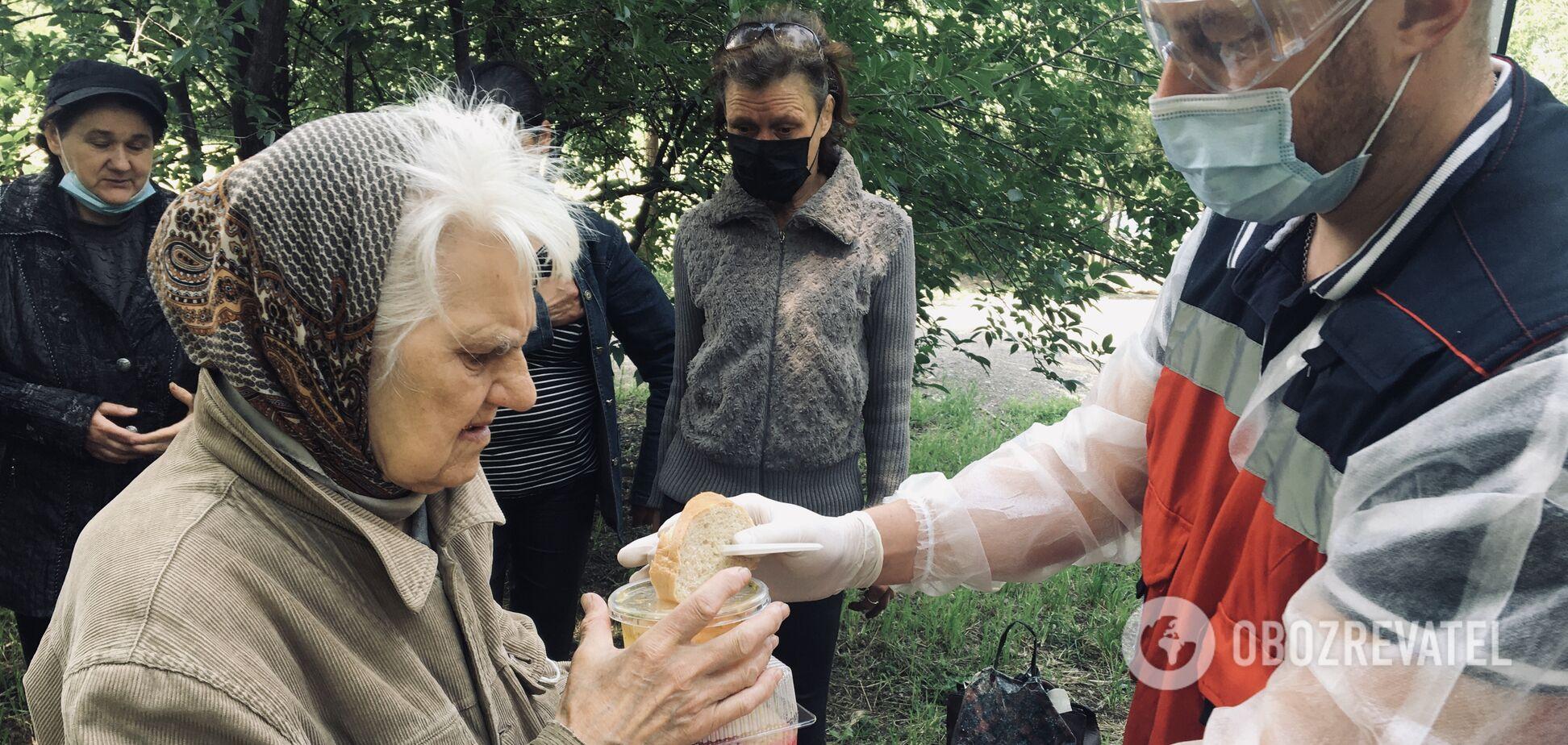Постоянная борьба за жизнь: как в Днепре волонтеры помогают бездомным и нуждающимся
