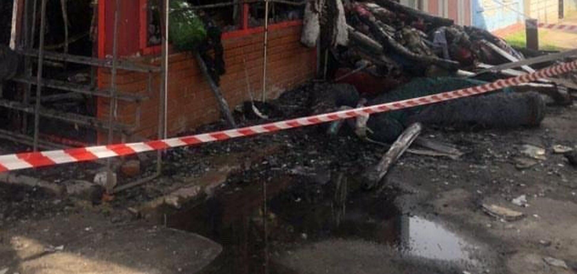 На рынке Барабашово в Харькове произошел пожар: выгорело несколько павильонов. Фото