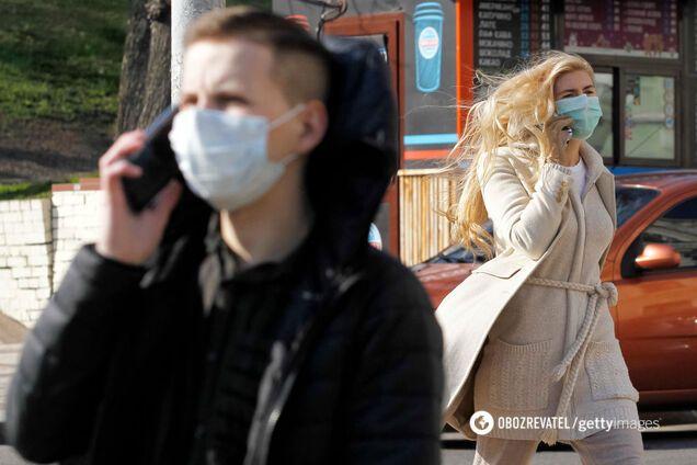 ВООЗ дала нові рекомендації щодо масок: де і кому варто носити