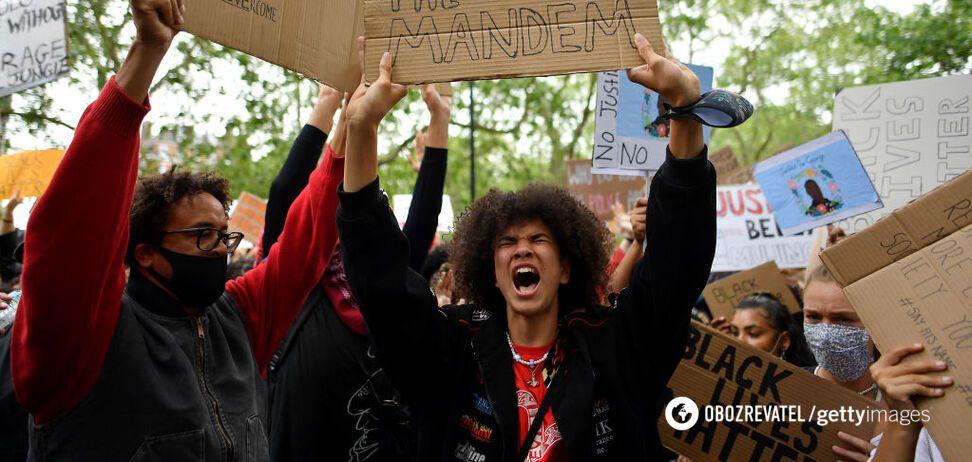 Протести через вбивство Флойда з новою силою накрили світ: слідом за США вийшла Європа