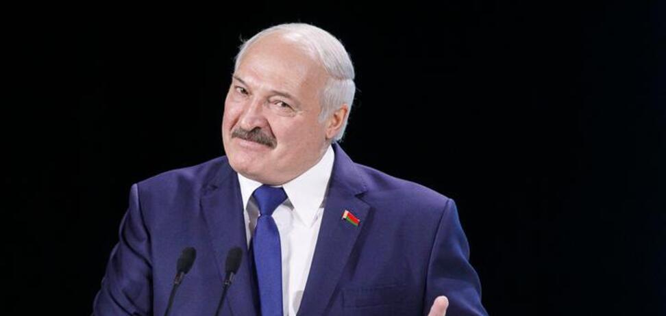 У Лукашенка значно впав рейтинг перед виборами: ЗМІ дізналися справжню цифру