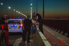 У Дніпрі поліція зупинила хлопця, який намагався різними способами покінчити з життям