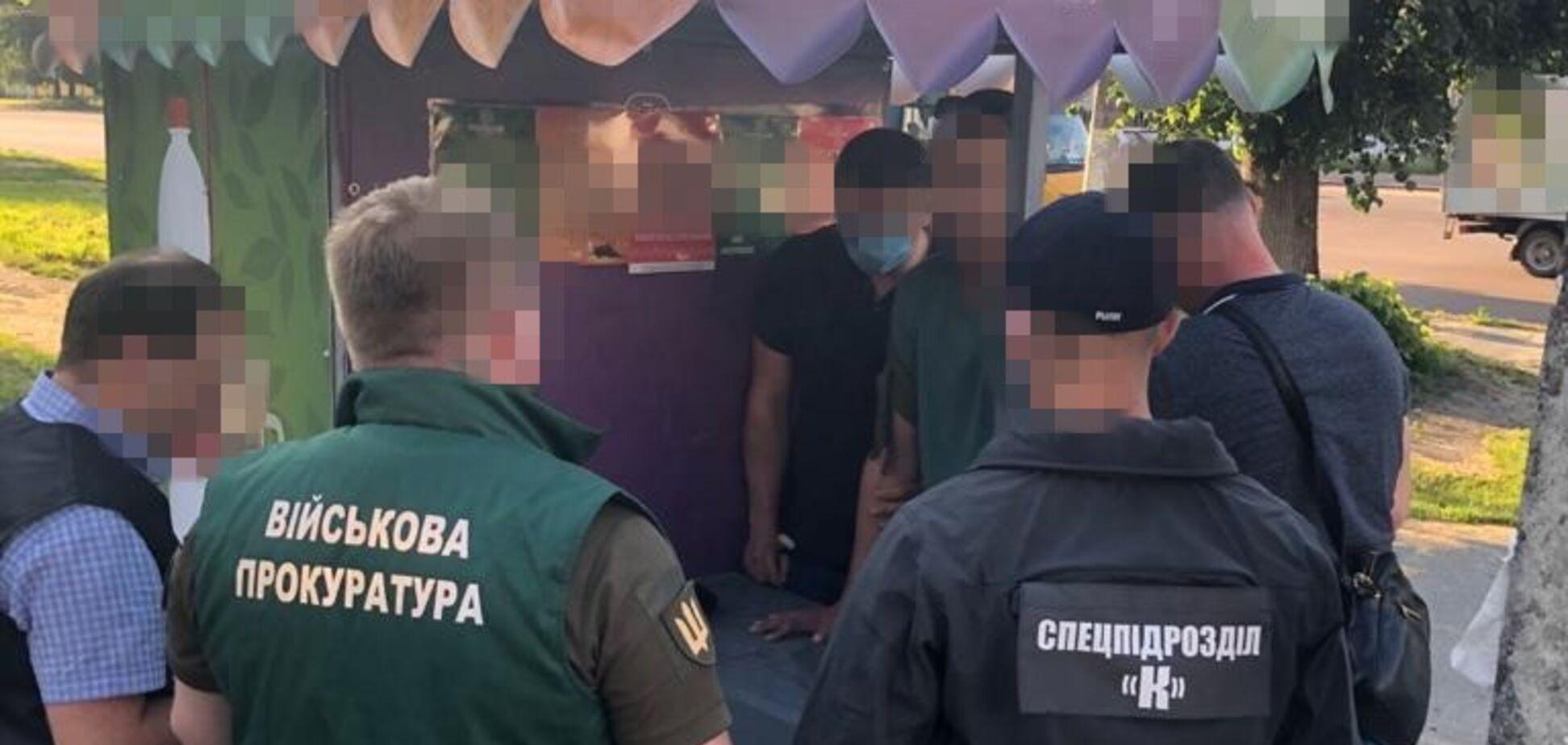 У Житомирі на хабарі спіймали командира взводу зв'язку