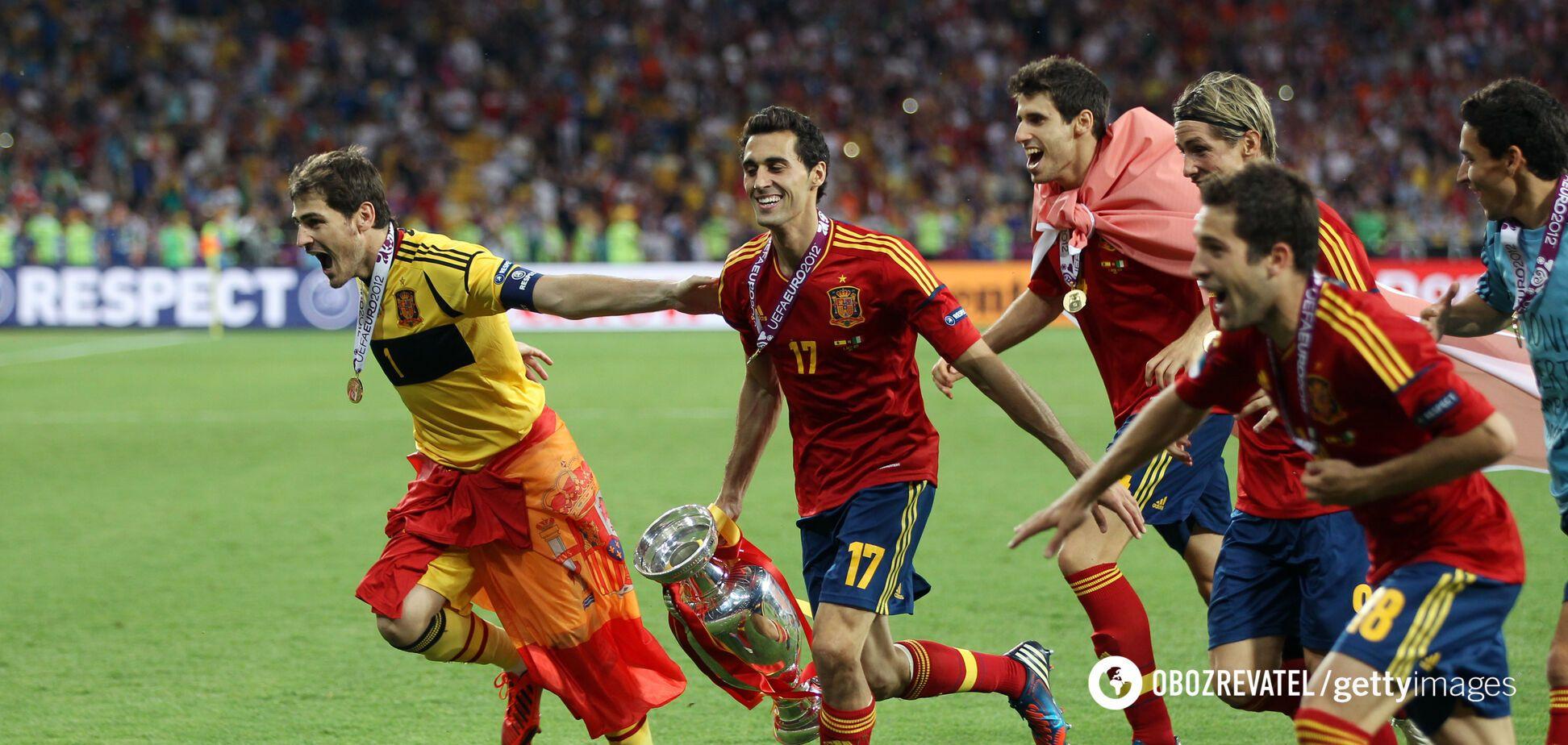 Футболісти збірної Іспанії радіють після перемоги на Євро-2012