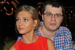 Асмус ушла от Харламова из-за его пьянства и игромании, – знакомые пары