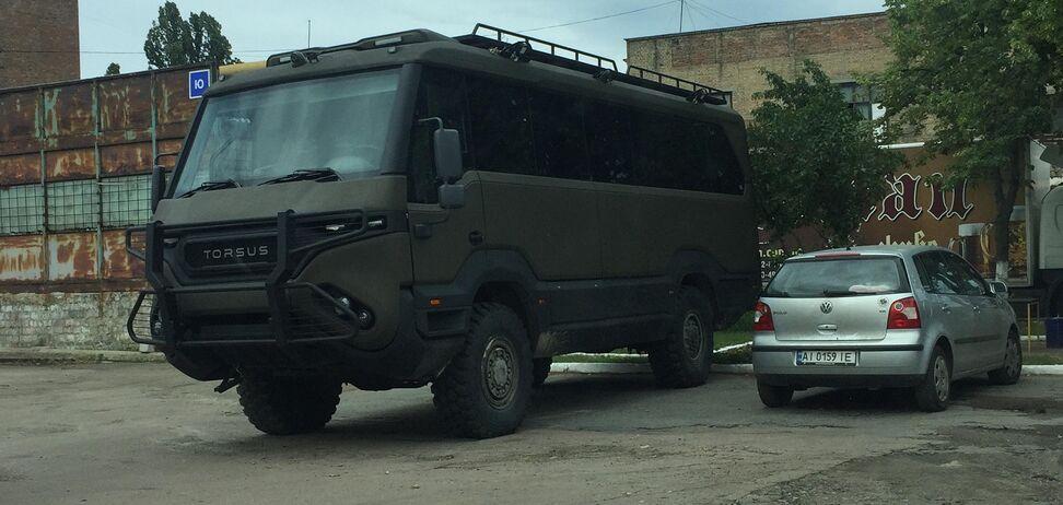 Повнопривідний автобус Torsus Praetorian у Києві. Фото: topgir.com.ua