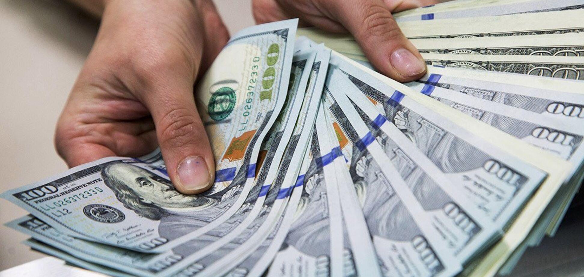 С начала года заробитчане перевели в Украину 'двойной транш МВФ'