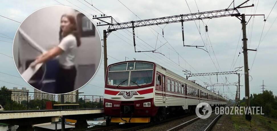 На Днепропетровщине девочки-подростки сломали окно электрички