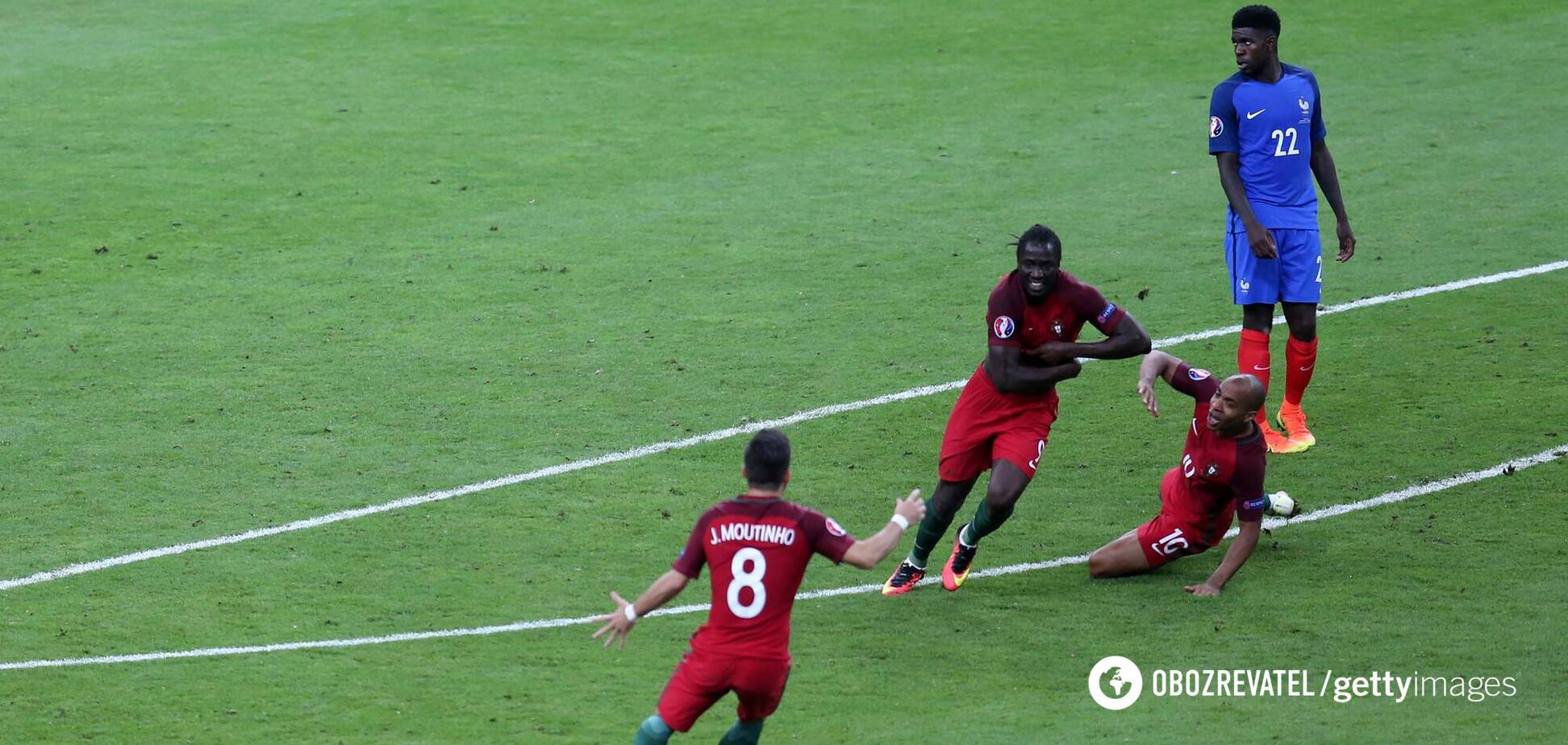 Эдер празднует гол в ворота сборной Франции